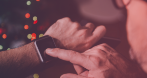 What benefits of smartwatch apps for Human Resources?